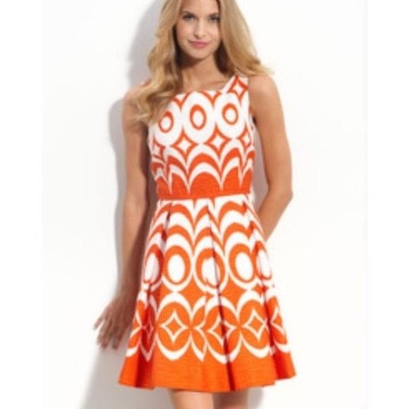 83f433111de NWOT Taylor Sleeveless Fit   Flare Dress sz 4. M 5c6feeded6dc524386381208